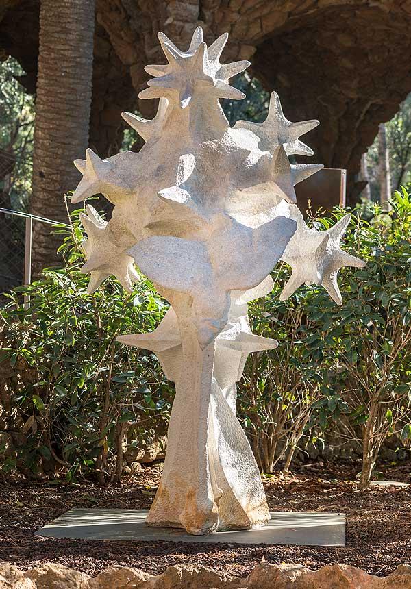 Cosmos, element escultòric de la façana del Naixement de la Sagrada Família (reproducció)