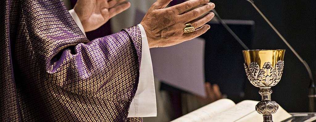 Rezar en la Sagrada Família